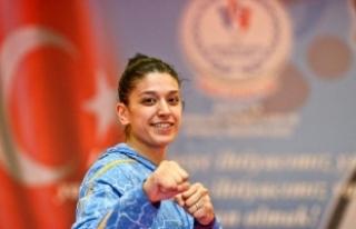 Dünya şampiyonu Nur Tatar: Dövdüğüm 2 kişiyi...