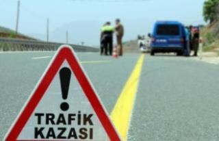 Erzincan'da düğün dönüşü trafik kazası:...