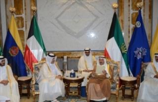 Katar Dışişleri Bakanı Al Sani Kuveyt'te