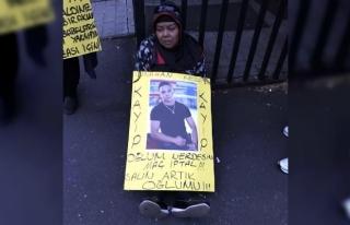 Kaybolan boksör oğlunu Almanya sokaklarında arıyor