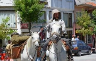 Kudüs'e gitmek üzere atla yola çıkan Polonyalı...