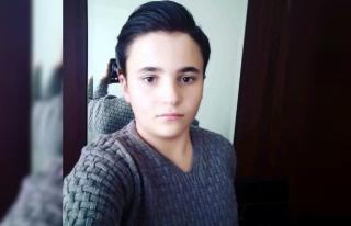 Otomobilin çarptığı ortaokul öğrencisi hayatını...