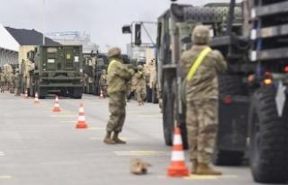 Polonya Trump'tan ABD askerlerini çekmemesini...