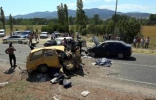 Seydikemer'de zincirleme kaza: 3 ölü, 4 yaralı