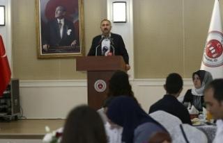 Adalet Bakanı Gül: Hakim ve savcılarımız bağımsız,...