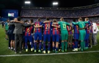 Barcelona, rakibin attığı gollerle kazandı