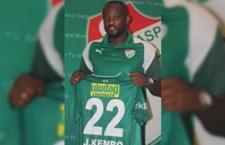 Bursaspor, Ekoko ile 2 yıllık sözleşme imzaladı