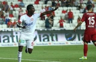 Drole: Amcamın aldığı biletle Antalyaspor'a...