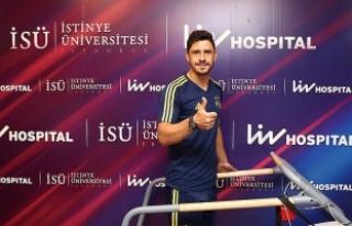 Fenerbahçe'de Giuliano sağlık kontrolünden...
