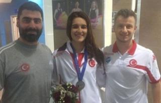 Havuzda büyük başarı: Dünya şampiyonluğu geldi