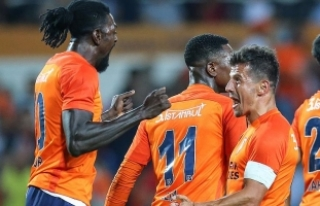 Medipol Başakşehir Şampiyonlar Liginde Play-Off...