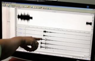 İtalya'da 3,6 büyüklüğündeki depremde 1 kişi...