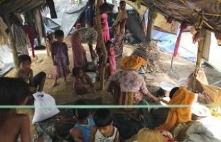 'Bangladeş'e sığınan Arakanlı Müslüman...