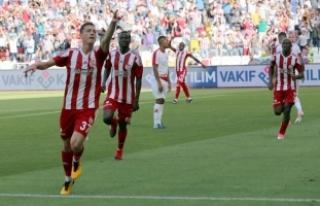 Demir Grup Sivasspor evinde kazandı
