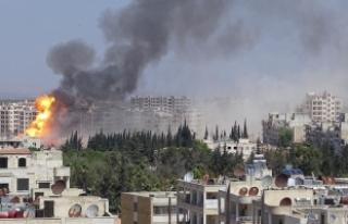 Suriye'nin İdlib'e hava saldırılarında...