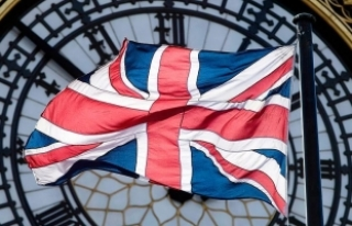 """İngiliz parlamentosunda """"şüpheli paket"""""""