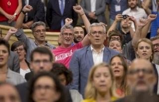 Katalonya'daki bağımsızlık referandumu askıya...
