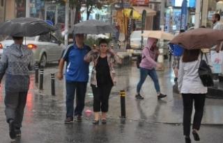Meteorolojiden iki il için şiddetli yağış uyarısı