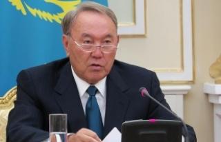 Trump Kazakistan Cumhurbaşkanı Nazarbayev'i...