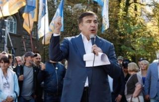 Saakaşvili vatandaşlık için mahkemeye başvuracak
