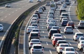 Türkiye'de yaklaşık 7 kişiye bir otomobil...