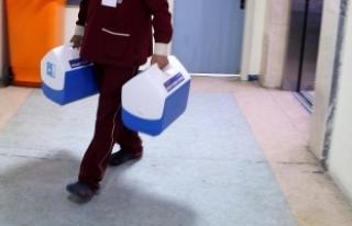 Ege Üniversitesinde yapılan karaciğer nakli bini...