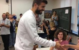 Gerard Pique: Katalonya halkıyla gurur duyuyorum