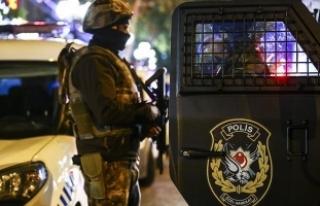 Konya'da Özel Harekat polisleriyle FETÖ operasyonu:...