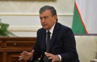 Özbekistan Cumhurbaşkanı Mirziyoyev'den...