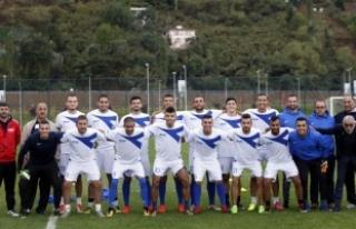 Trabzonspor, Filistinli futbolculara kapılarını...