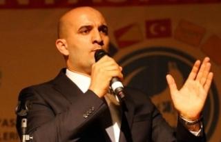 Kılavuz'dan Yaşar Okuyana: Ülkücü Türk...