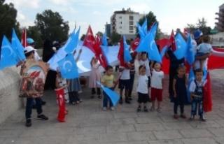 Uygur Türkleri, Doğu Türkistan'daki şiddeti...