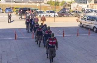 Yunanistan sınırında yakalanan 2 FETÖ şüphelisi...