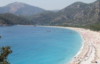 Türkiye'nin turizm geliri ve ziyaretçi sayısı...