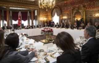 Başbakan Yıldırım ABD'de kanaat önderleriyle...