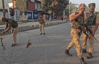 Cammu Keşmir'de çatışma: 2 Hint askeri ve...