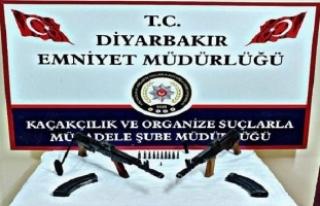 Diyarbakır merkezli 3 ilde kaçak silah operasyonu:...
