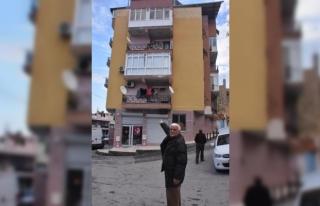 Dolandırıcılar, emekli işçiye 5 katlı apartmanını...
