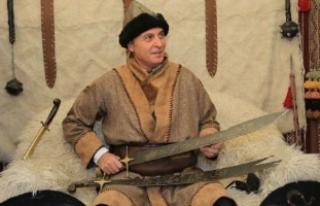 Fikret Orman Malatya'da 'kılıç kuşandı'