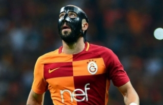 Galatasaraylı futbolcu Latovlevici ameliyat edildi