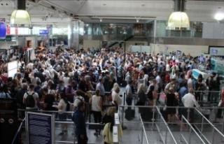İstanbul havalimanlarından 10 ayda 80 milyon yolcu...