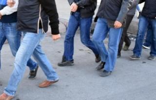 İzmir'de FETÖ/PDY operasyonu: 47 gözaltı