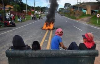 Kolombiya'daki yerlilerin protestolarında yaralı...