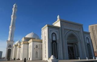 Orta Asya'nın ikinci büyük camisine turist...