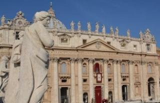 Sigara İçenler Dikkat..! Vatikan'da sigara...