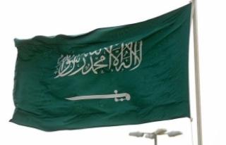 Suudi Arabistan 2018 bütçesinin üçte birini askeri...