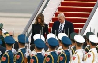 Trump Pekin'de resmi törenle karşılandı