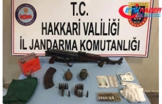 Hakkari'de PKK'ya ait silah, mühimmat ve...