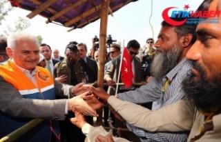 Başbakan Yıldırım Arakanlı mültecilerle bir...