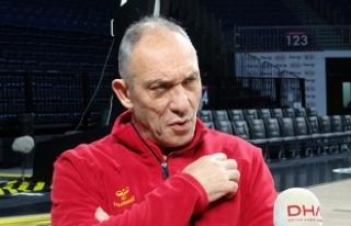 Galatasaray Odeabank Başantrenörü Kunter'den...